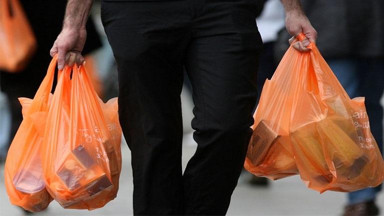 Η Νέα Ζηλανδία απαγορεύει από την επόμενη χρονιά τη χρήση πλαστικών σακούλων μίας χρήσης