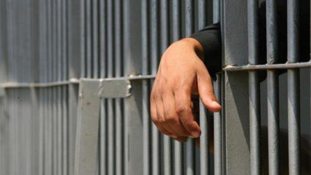 Στη φυλακή για διαρρήξεις 21χρονος