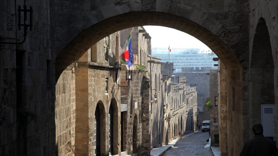 Ρόδος: «Έπιασαν» τέσσερις ημέρες μετά τον ληστή της Παλιάς Πόλης