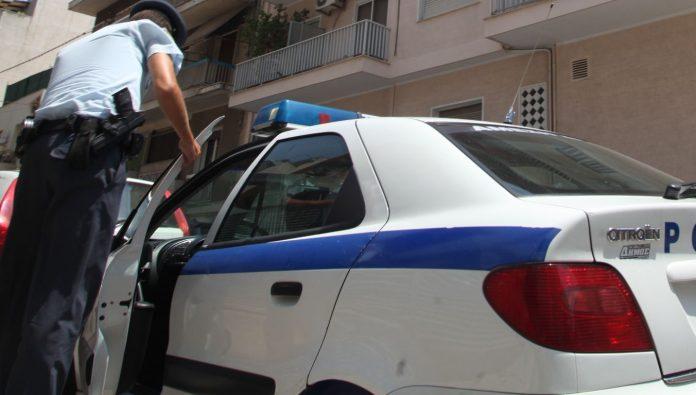 Πάτησε αστυνομικό για να περάσει μπλόκο για φωτιές στον Λυκαβηττό