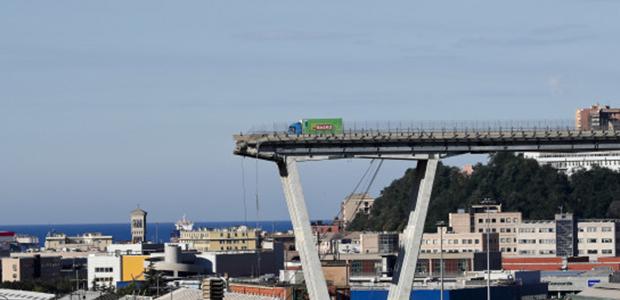 39 οι νεκροί από την κατάρρευση γέφυρας στη Γένοβα
