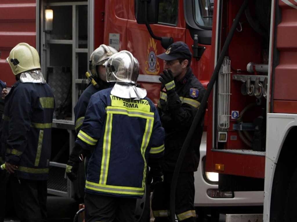 Πυροσβέστες έσβηναν φωτιά και Ρομά τους λήστευαν