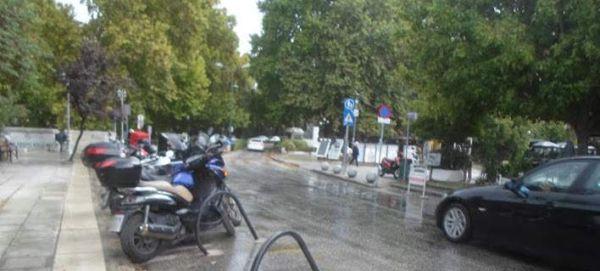 Καταιγίδα και δυνατός αέρας «σάρωσαν» τα Τρίκαλα