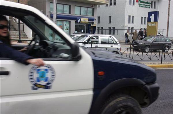 Καταδρομική επιχείρηση αντιεξουσιαστών στην πρεσβεία της Ιταλίας