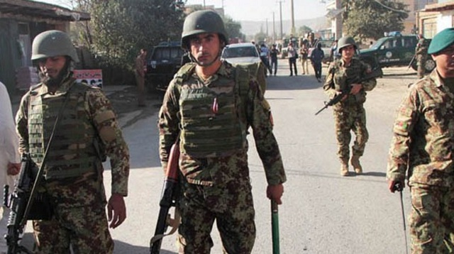 Ρουκέτες κατά της Καμπούλ, μάχες διεξάγονται στην πόλη