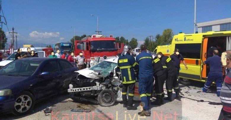 Καρδίτσα: Νεκρός 42χρονος σε μετωπική σύγκρουση αυτοκινήτων