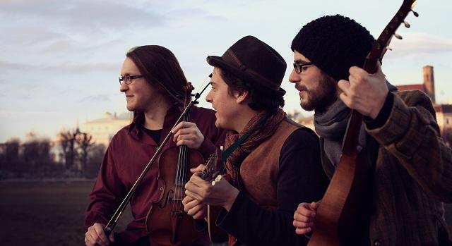 Αυστριακό συγκρότημα εμφανίζεται στη Σκιάθο