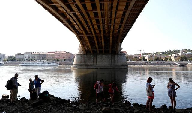 Σε χαμηλό ρεκόρ η στάθμη στον Δούναβη εξαιτίας της ξηρασίας [εικόνες]