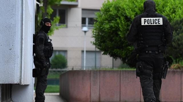 Επίθεση με μαχαίρι στο Παρίσι: Tο ISIS ανέλαβε την ευθύνη