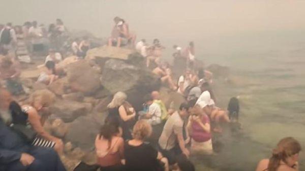 Καταλογισμό ποινικών ευθυνών για τη φωτιά στο Μάτι ζητούν 4 πανεπιστημιακοί