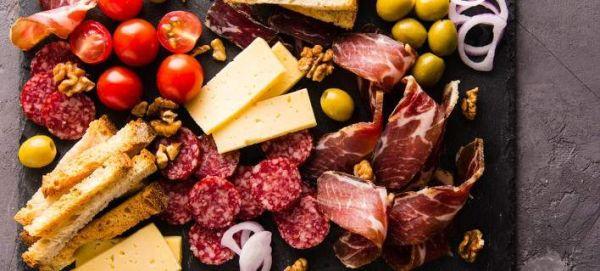 6 τροφές που αποτελούν κρυφές πηγές νατρίου και προκαλούν φούσκωμα