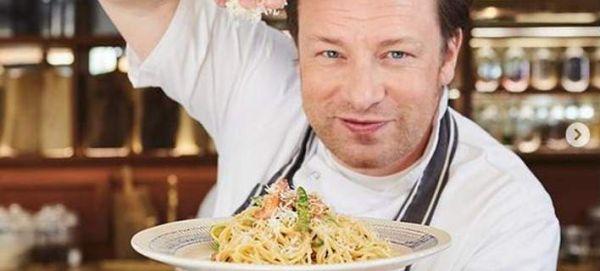 Ο Τζέιμι Ολιβερ αποκαλύπτει πόσα εκατομμύρια έχασε για να σώσει τα εστιατόρια του