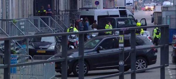 Ολλανδία: Οι δύο τραυματίες στην επίθεση με μαχαίρι που έγινε στο Άμστερνταμ είναι Αμερικανοί