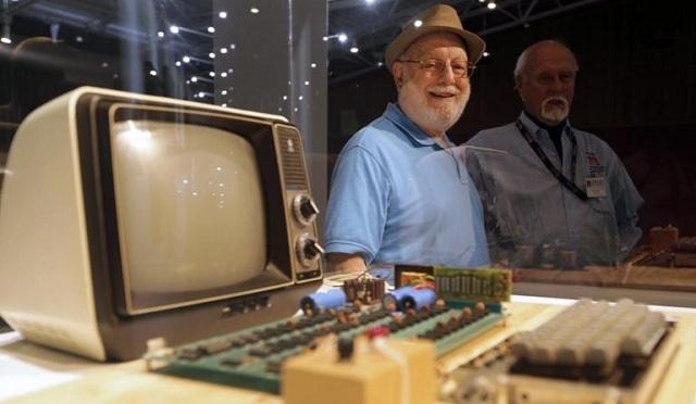 Στο σφυρί ένας από τους πρώτους υπολογιστές Apple. Αστρονομικό το ποσό πώλησης