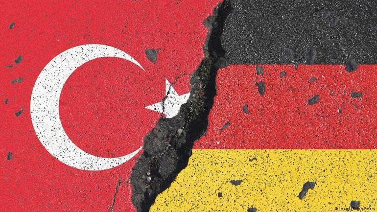 Βερολίνο και Άγκυρα ψάχνουν για σημείο επαφής