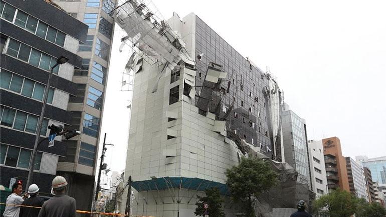Ιαπωνία: Τουλάχιστον έξι νεκροί από τον ισχυρό τυφώνα Τζέμπι