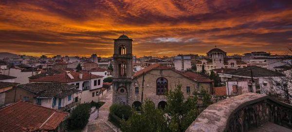 Guardian: Τρίκαλα, η πόλη που δεν χρειάζεται να ξέρεις έναν πολιτικό για να γίνει κάτι