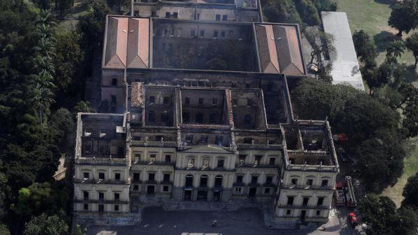 Φωτιά Μουσείο του Ρίο: Βρέθηκε πιθανώς το κρανίο της «πρώτης Βραζιλιάνας»