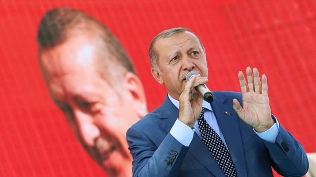 Ο Ερντογάν «βρυχάται» ξανά: Οι ΗΠΑ δεν θα πετύχουν απειλώντας για τον πάστορα Μπράνσον