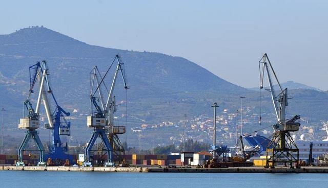 Τραυματισμός λιμενεργάτη στο αμπάρι πλοίου στο Λιμάνι