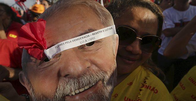 Έτοιμος να εγκαταλείψει την καμπάνια ο Λούλα μετά την διπλή δικαστική ήττα