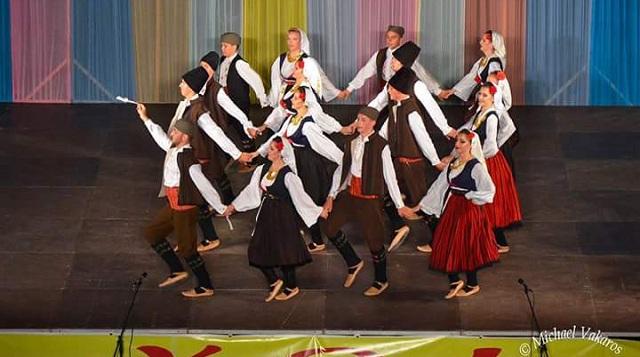 Συνάντηση παραδοσιακών χορών