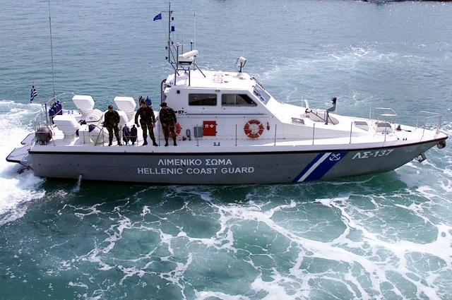 «Συναγερμός» από την ημιβύθιση πλωτής δεξαμενής στα Ναυπηγεία Ελευσίνας