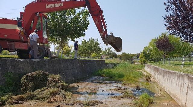Καθαρισμός ρεμάτων και τοποθέτηση νέων κάδων στο Δήμο Ρ. Φεραίου