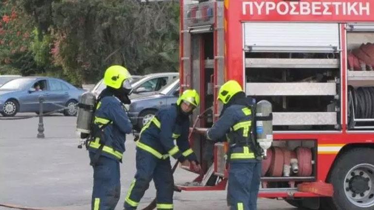 Φωτιά ξέσπασε σε διαμέρισμα στη Λάρισα