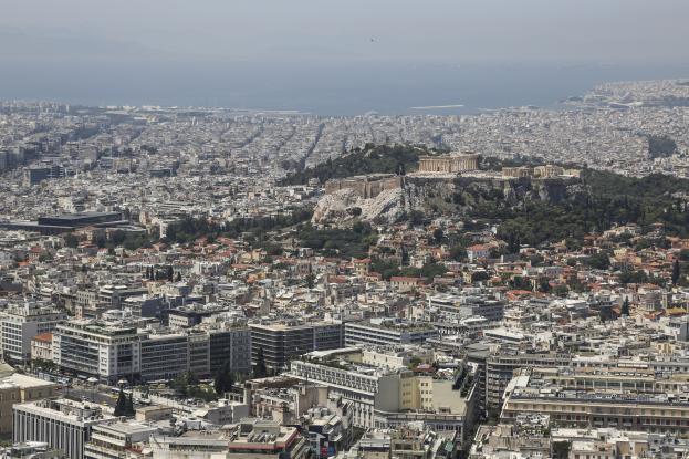 Ο Κινέζος που αγόρασε 700 διαμερίσματα στην Αθήνα