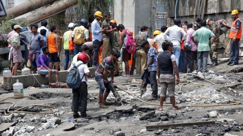 Ινδία: Λεωφορείο έπεσε σε χαράδρα, τουλάχιστον 55 νεκροί