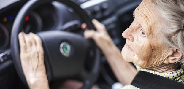 Οι άνω των 74 θα ξαναδίνουν για δίπλωμα οδήγησης