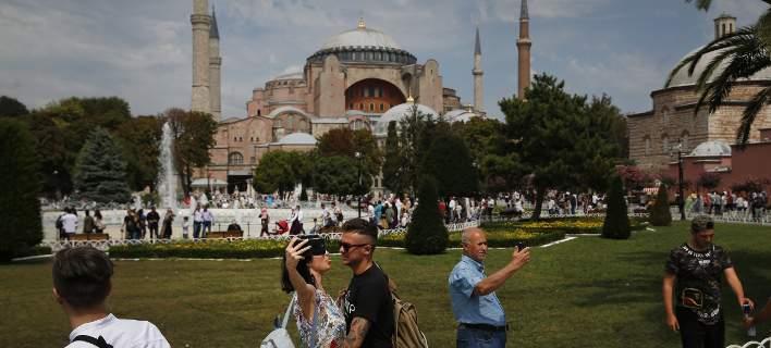 Σήμερα αποφασίζει η Τουρκία για μουσείο ή τζαμί στην Αγία Σοφία