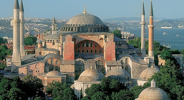 Η Αγιά Σοφιά θα παραμείνει μουσείο. Απορρίφθηκε το αίτημα να γίνει τζαμί