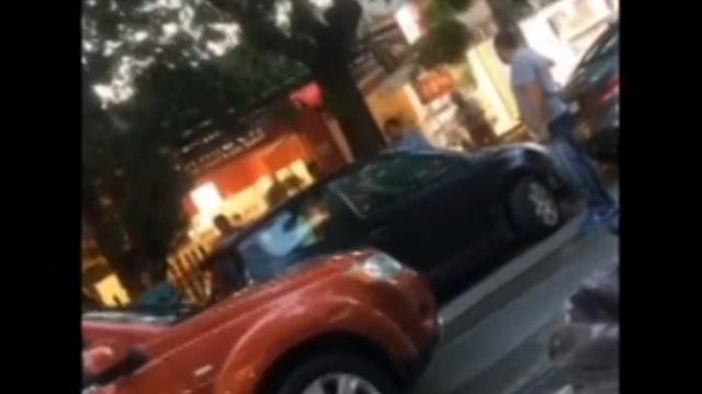Ηλικιωμένη έκανε «συγκρουόμενα» στην Κηφισιά στην προσπάθειά της να παρκάρει