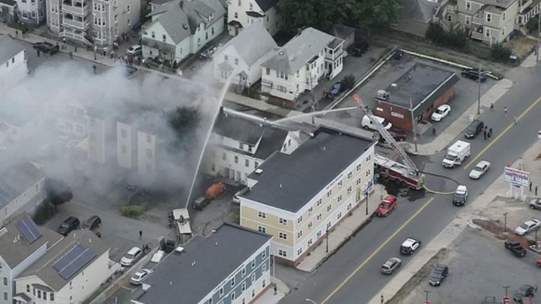 Ένας νεκρός και 12 τραυματίες από εκρήξεις λόγω διαρροής αερίου στη Βοστώνη
