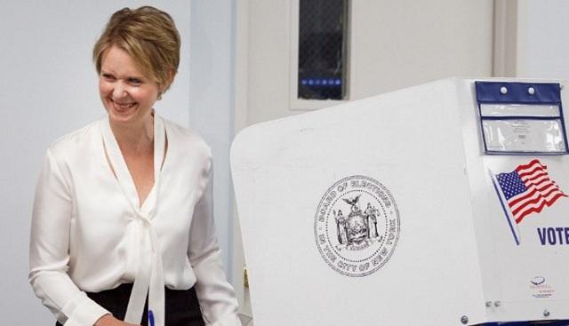 Η Σίνθια Νίξον δεν τα κατάφερε στις εσωκομματικές εκλογές της Νέας Υόρκης
