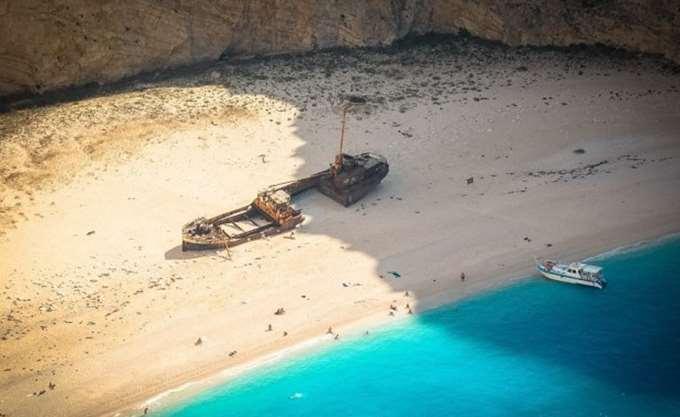 Ζάκυνθος: Κλείνει το Ναυάγιο μετά την κατολίσθηση βράχων