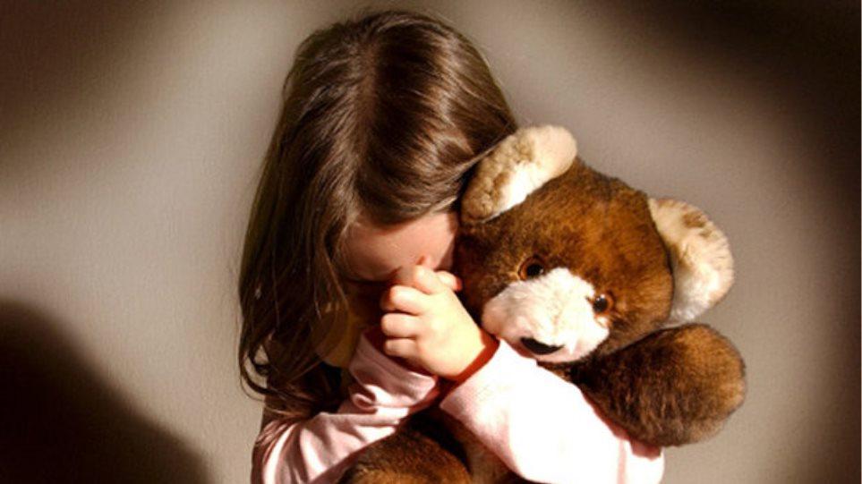 Κρήτη: Εμπιστεύτηκαν το 11χρονο κοριτσάκι τους σε φίλο κι εκείνος το βίαζε