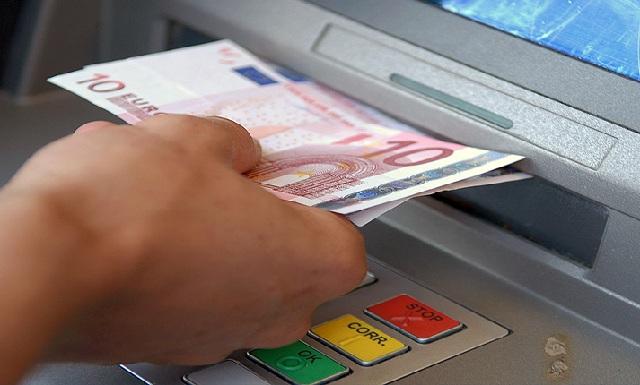 Αυτόματες κατασχέσεις για χρέη στην Εφορία: Διαδικασίες εξπρές και για ποσά άνω των 500€