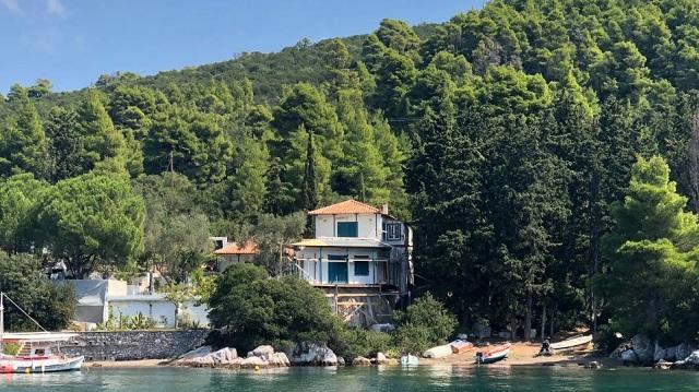 Ξένοι επενδυτές «σαρώνουν» ακίνητα στη Σκόπελο
