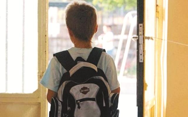 Συγκεντρώνονται τσάντες και κασετίνες για άπορα παιδιά