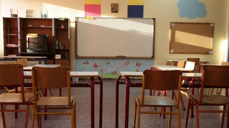 Επεσε ανεμιστήρας οροφής στα κεφάλια παιδιών σε σχολείο της Θεσσαλονίκης