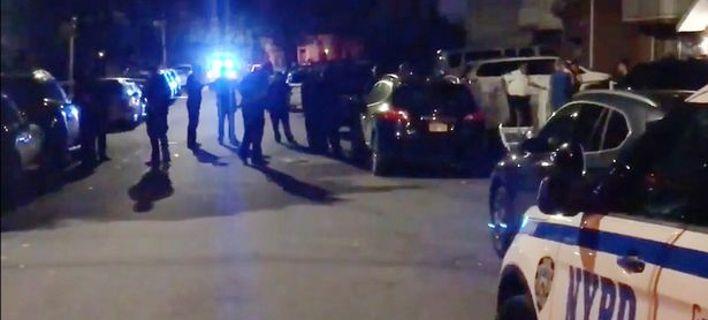 Επίθεση με μαχαίρι στο Κουίνς της Νέας Υόρκης -Παιδιά ανάμεσα στους τραυματίες