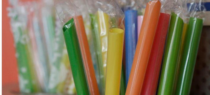 Τέλος τα πλαστικά καλαμάκια σε εστιατόρια στην Kαλιφόρνια