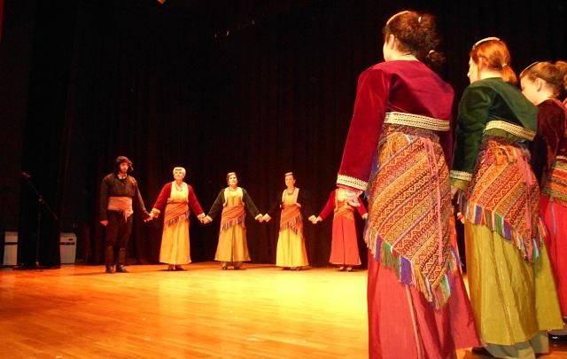 Μαθήματα ποντιακών χορών