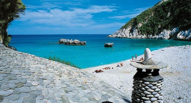 «Παρθένες» τέσσερις παραλίες του Πηλίου