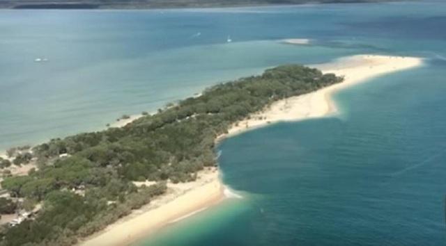 Αυστραλία: Τεράστια τρύπα κατάπιε παραλία στο Κουίνσλαντ [βίντεο]