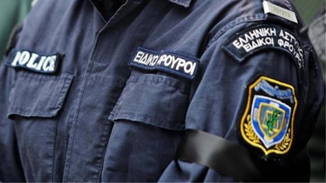 Ειδικοί φρουροί συνοδεύουν συνεργεία της ΔΕΗ για να.. κόψουν το ρεύμα στα σπίτια