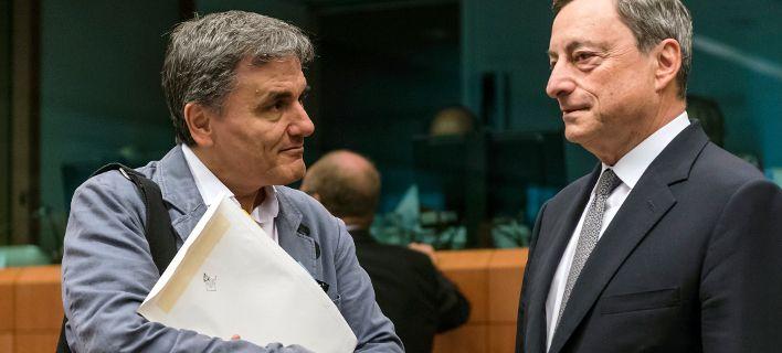 Κόκκινη κάρτα ΕΚΤ σε Αθήνα: Λάθος συνταγή τα πλεονάσματα με επιδρομή φόρων
